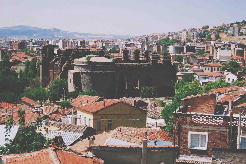 Kızıl Bazilika - Les Pergamon Butik Hotel bahçesinden şehir - Bergama - İzmir Fotoğraf: Onur Yüksel