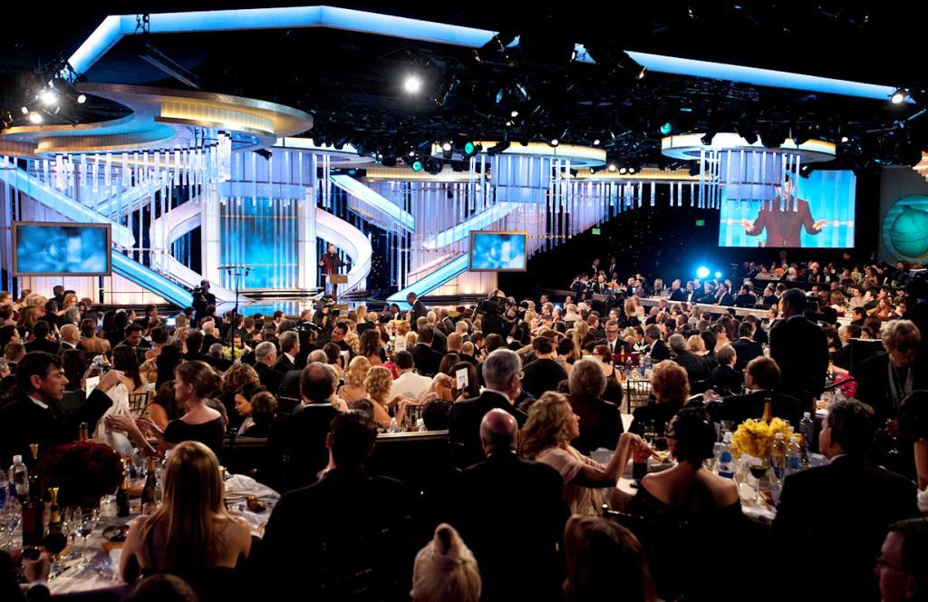 Golden Globe'un eski sunucusu, sivri dilli aktör Rick Gervais 2012'de sahnedeyken
