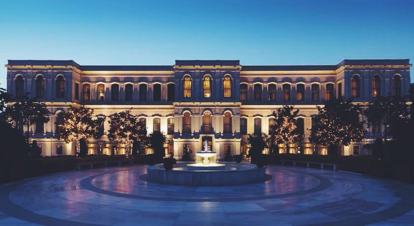 Akşam saatlerinde Four Seasons Bosphorus