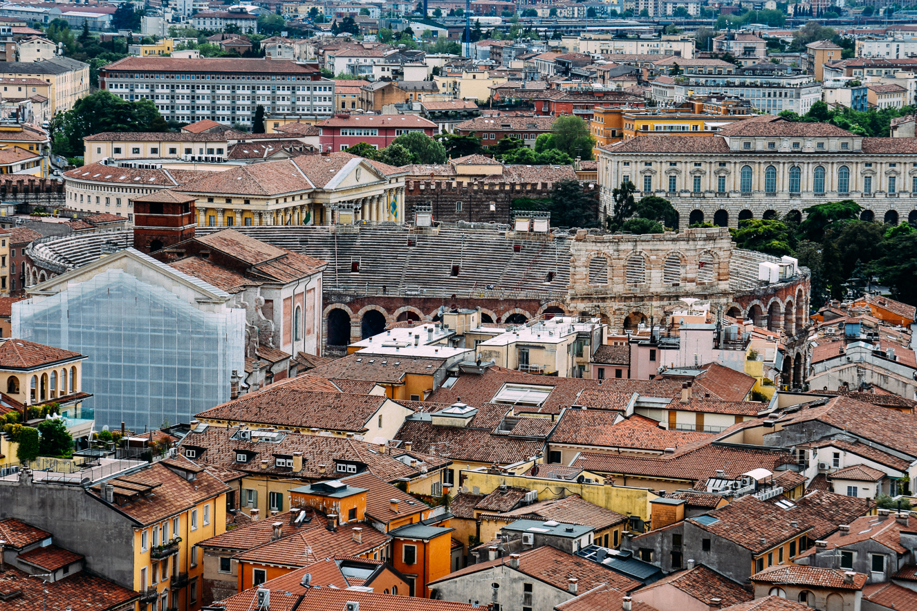 Torre dei Lamberti'den Arena ve Bra Meydanı