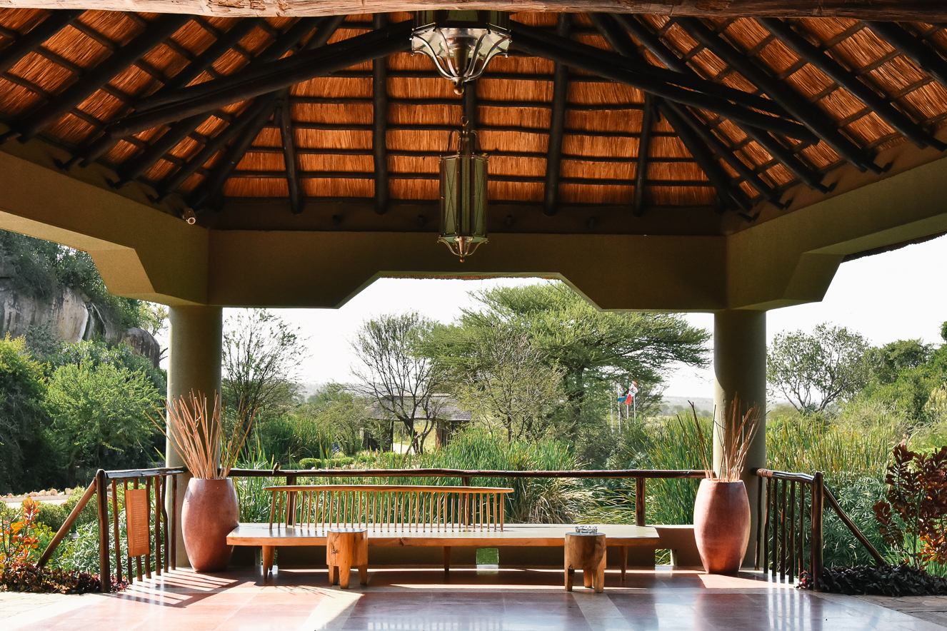 Four Season Serengeti Safari Lodge Tanzanya kapı