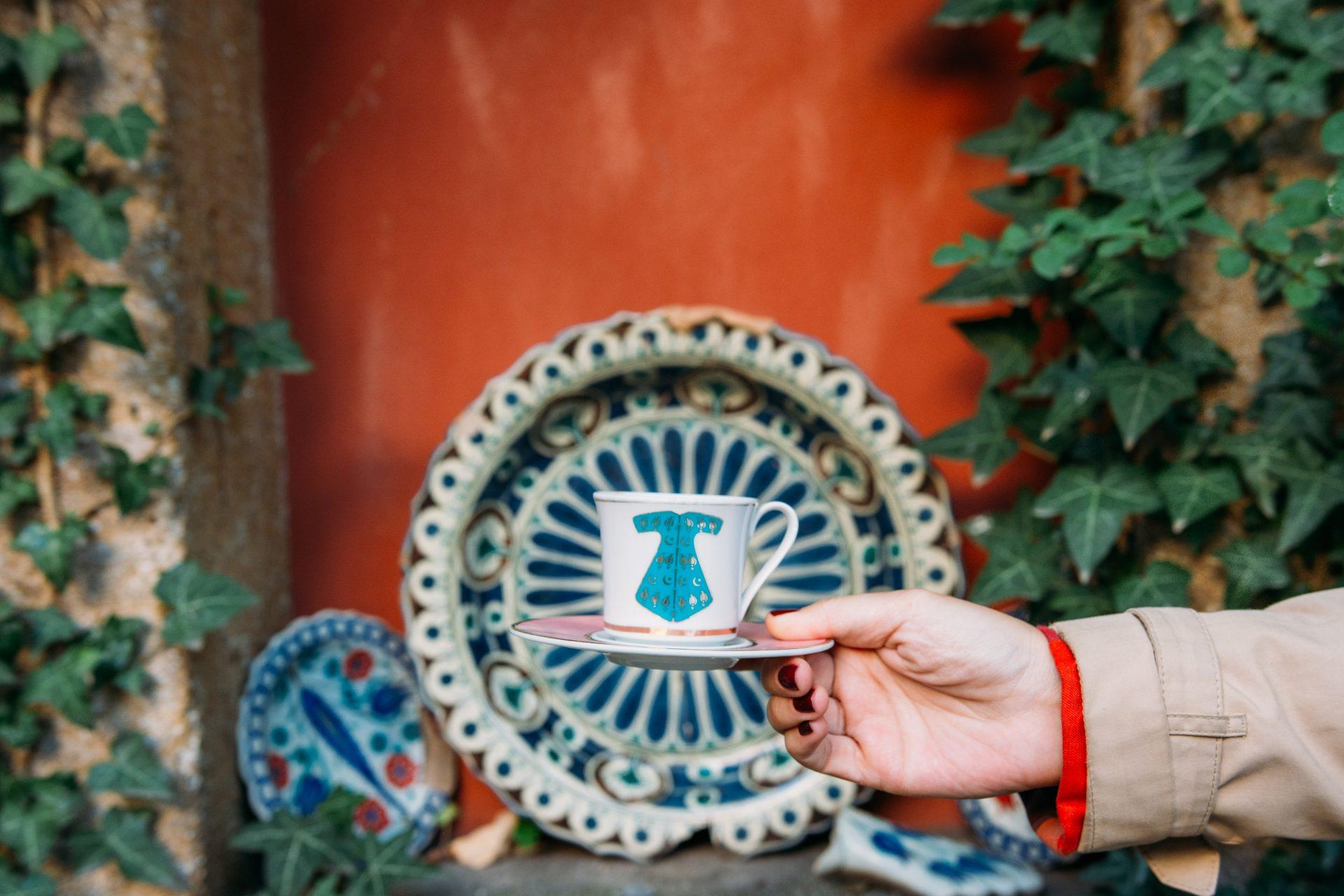 Kitap Evi'nin bahçesinde Türk Kahvesi