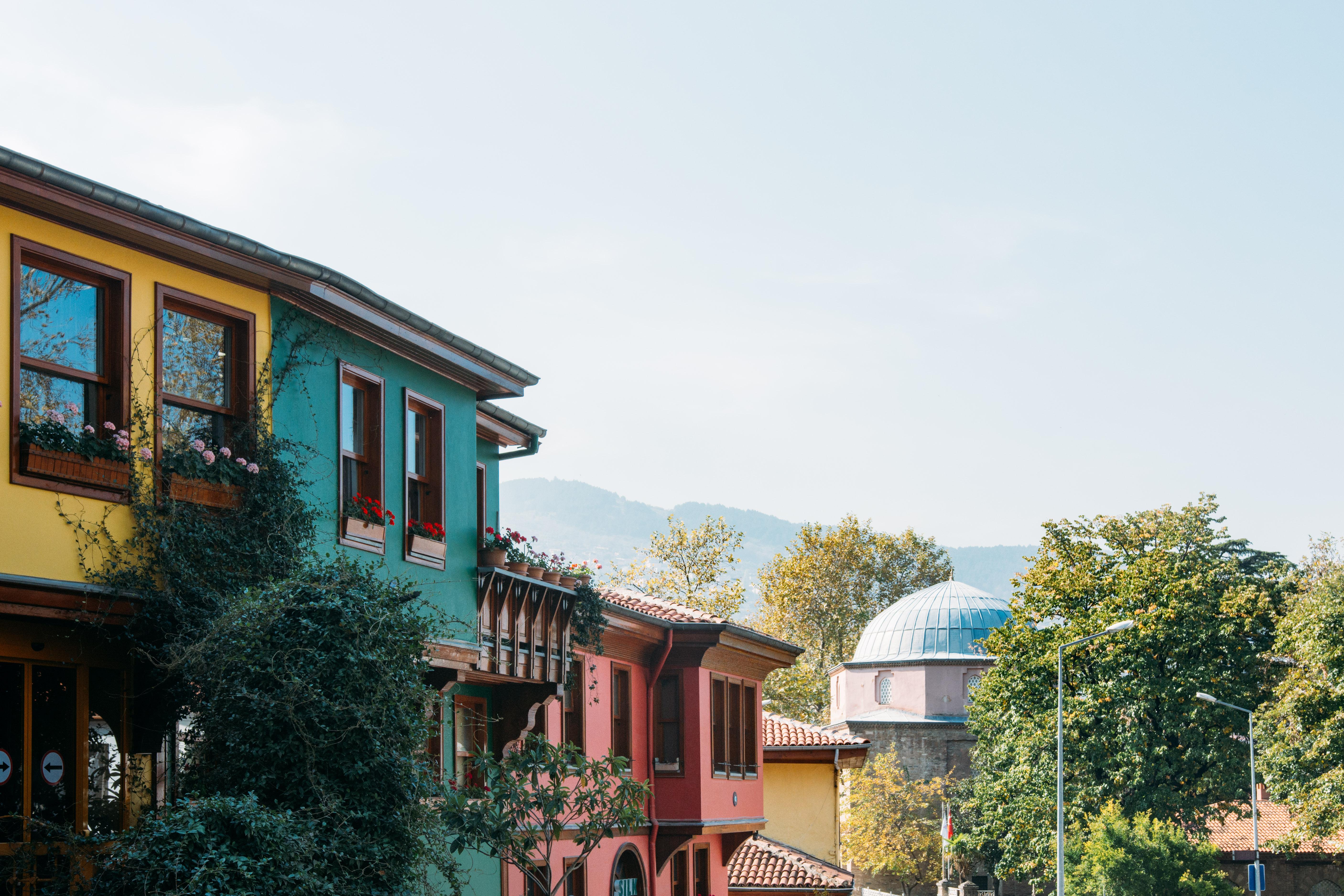 Yeşil Türbe'nin önünden manzara